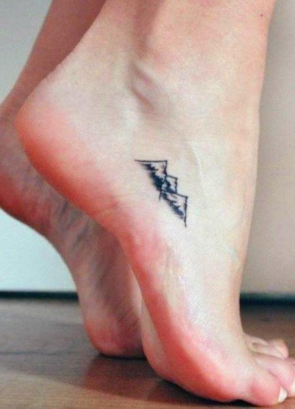 60 Simple Small Tattoos Designs For Women