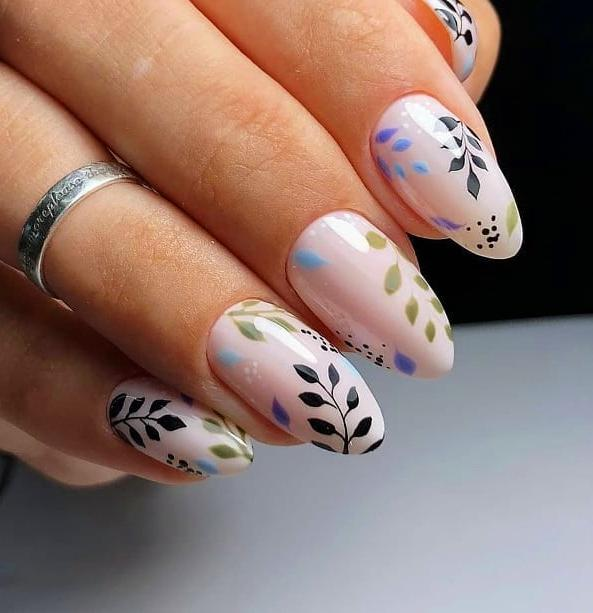 2019 coffin nail trends; nail colors 2019; Summer nail colors 2019; nail designs; nail designs pictures; summer nail ideas;short nail