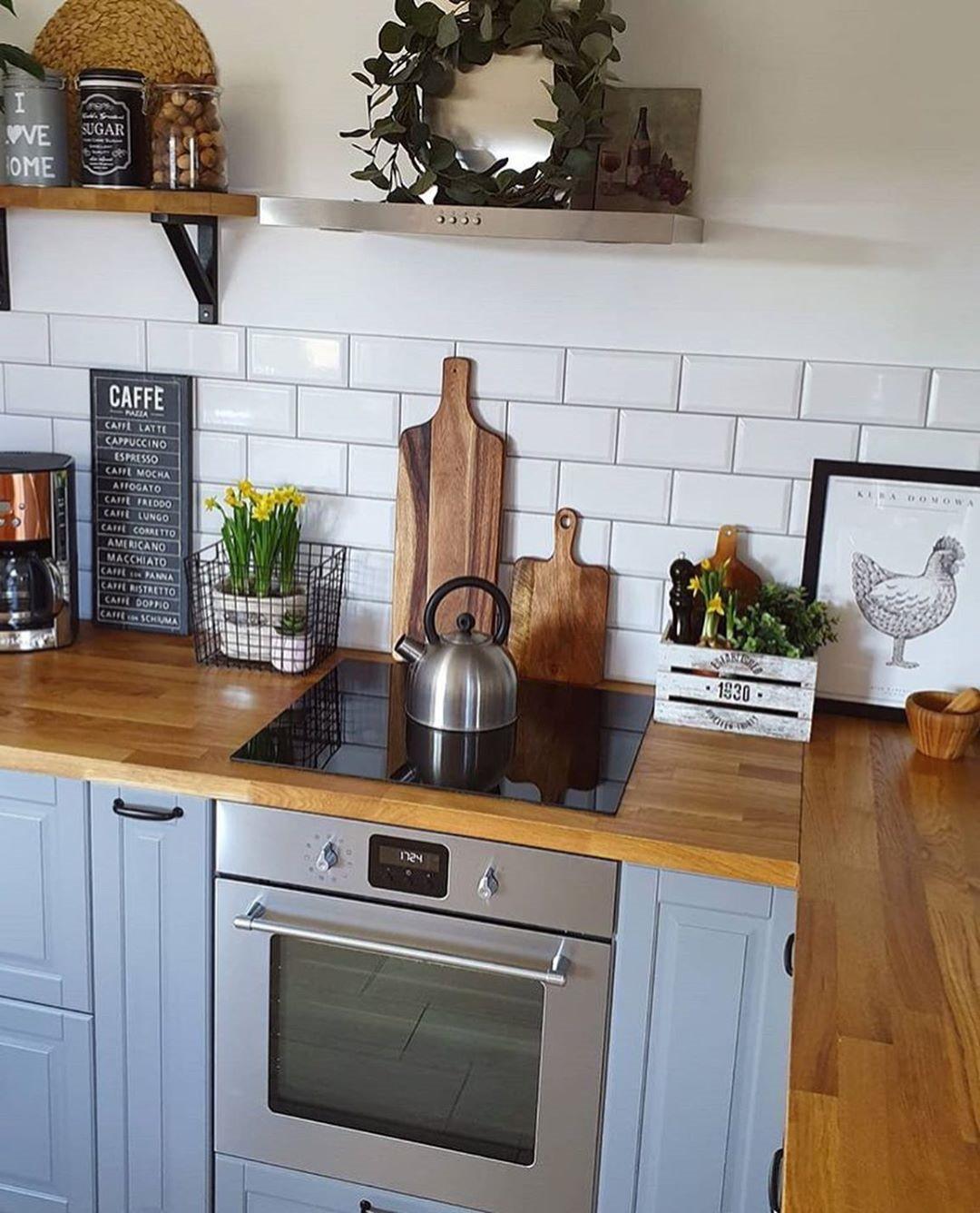 60 Creative Small Kitchen Design And Organization Ideas  #kitchens #kitchendesign #kitchenorganization #SmallKitchen