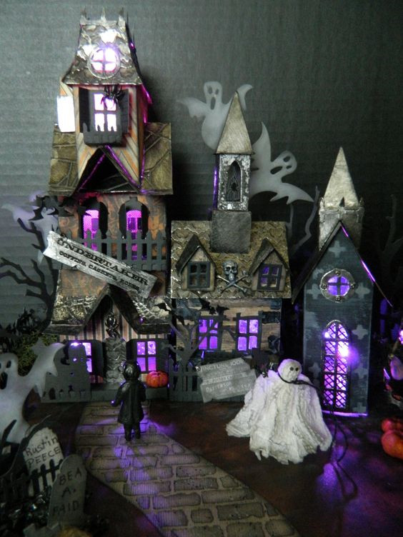 30 Cool Haunted House Crafts Perfect for Halloween