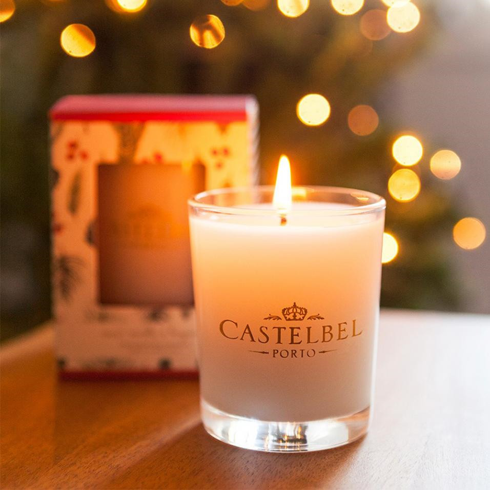 20 Pretty Winter Candles You Will Never Want to Leave Your Home