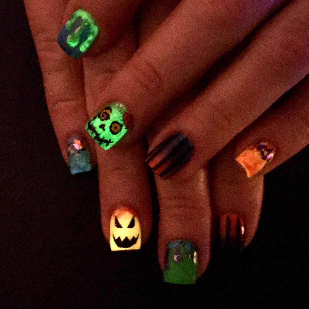 50 Best Halloween Nails Art Design for You