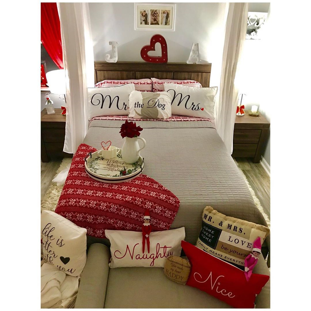 50 Trendy Cozy Christmas Bedroom Decorating Ideas #christmas #holidays #christmas