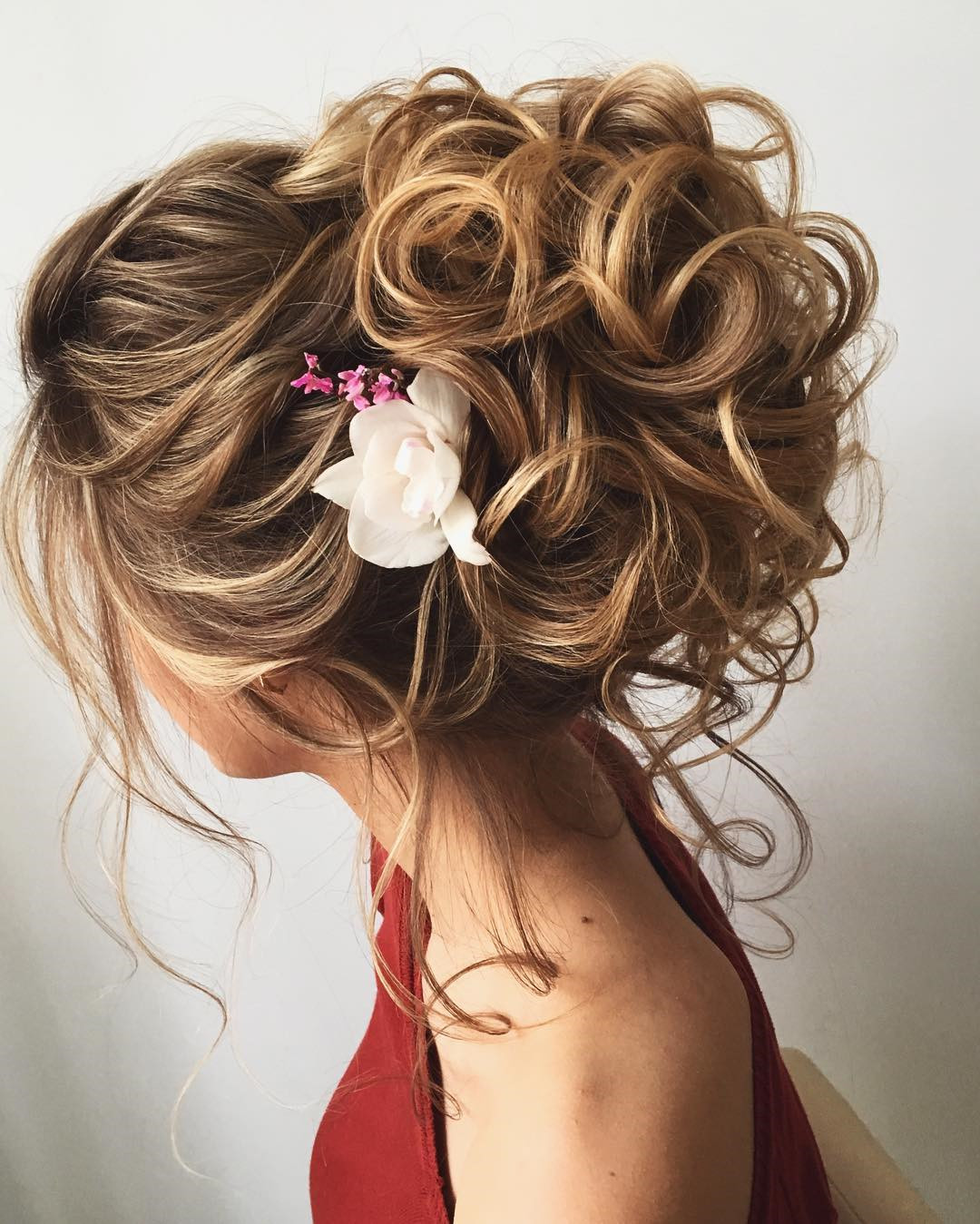 46 Gorgeous Updos Wedding Hairstyles ideas #WeddingHairstyles  #Updos #UpdoHairstyles