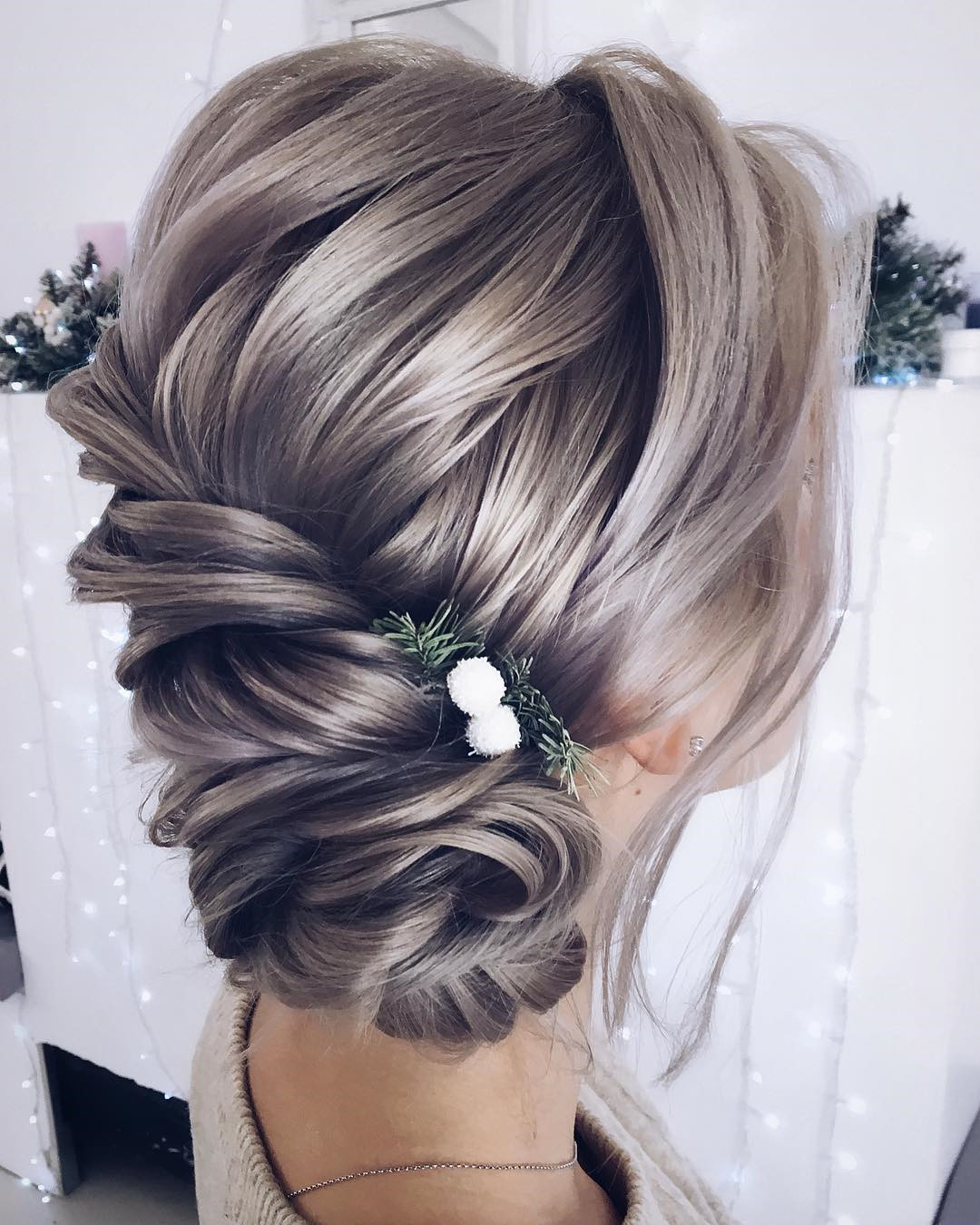 46 Gorgeous Updos Wedding Hairstyles ideas #WeddingHairstyles  #Updos #UpdoHairstyles