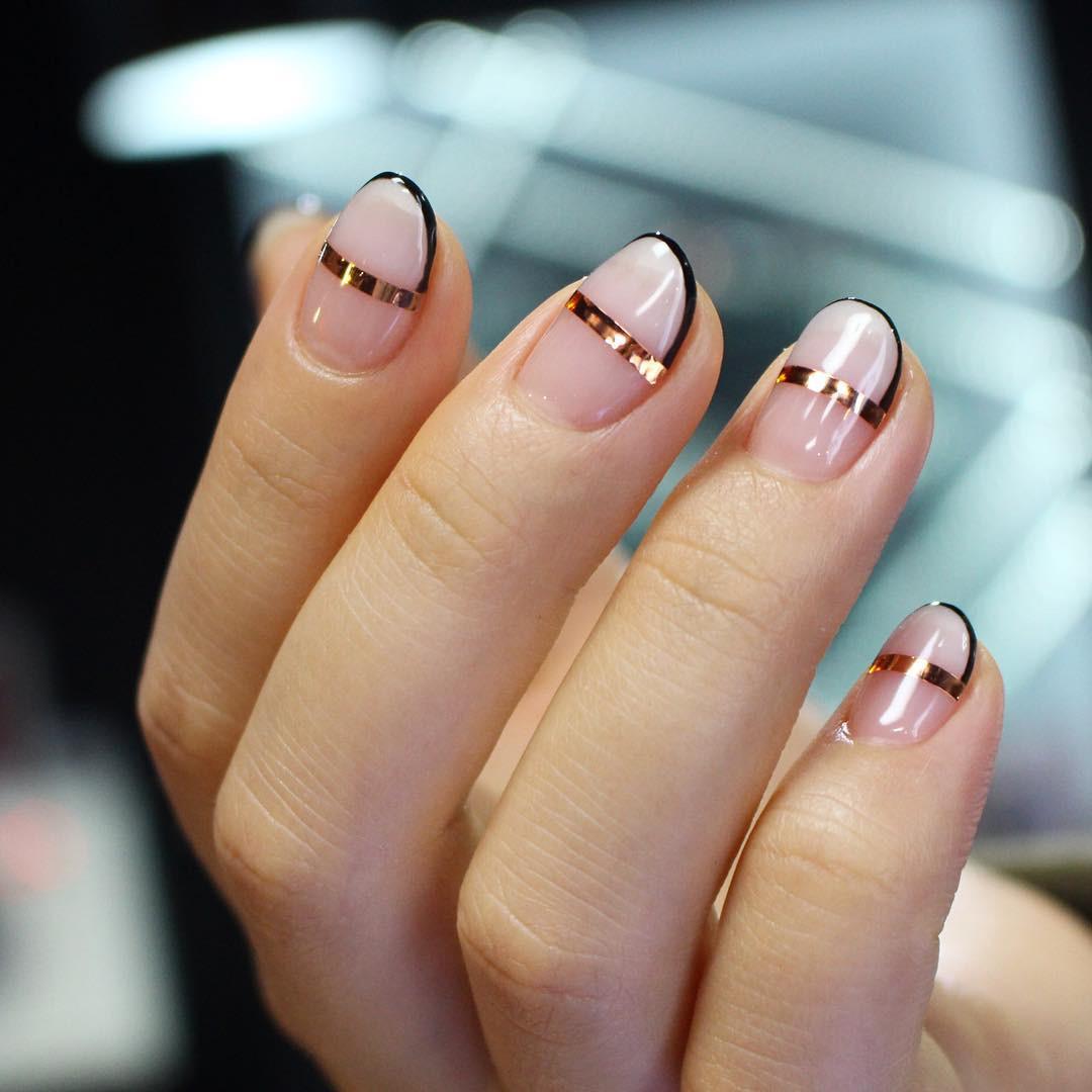 50 Stunning Minimalist Nail Art for Everyday Style