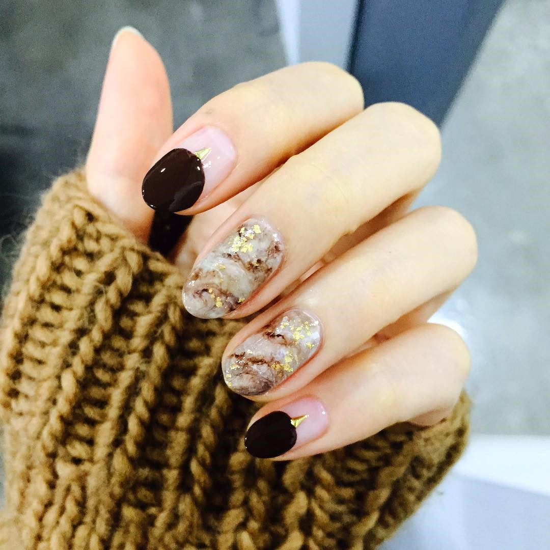 50 Stunning Minimalist Nail Art for Everyday Style