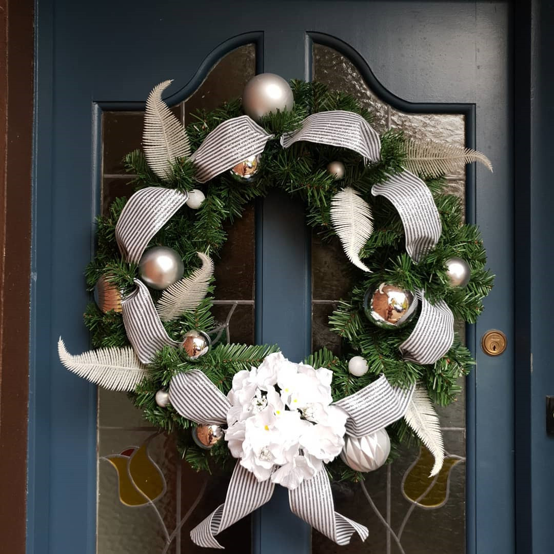 50 DIY Christmas Wreath Ideas On A Budget