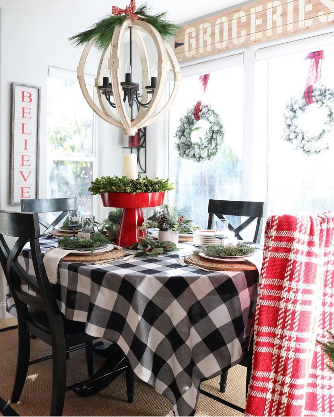52 Best Christmas Table Decorations for All Your Holiday Parties