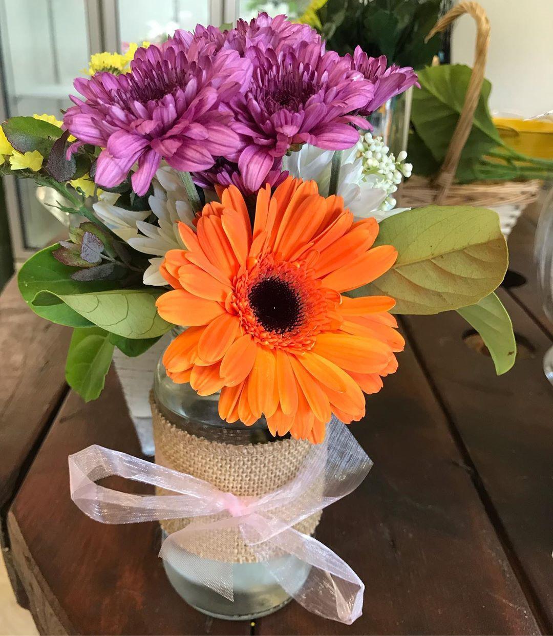 Beautiful Mason Jar Wedding Ideas Centerpieces,Mason Jar,Mason Jar Wedding,wedding mason jars flowers,mason jars flowers