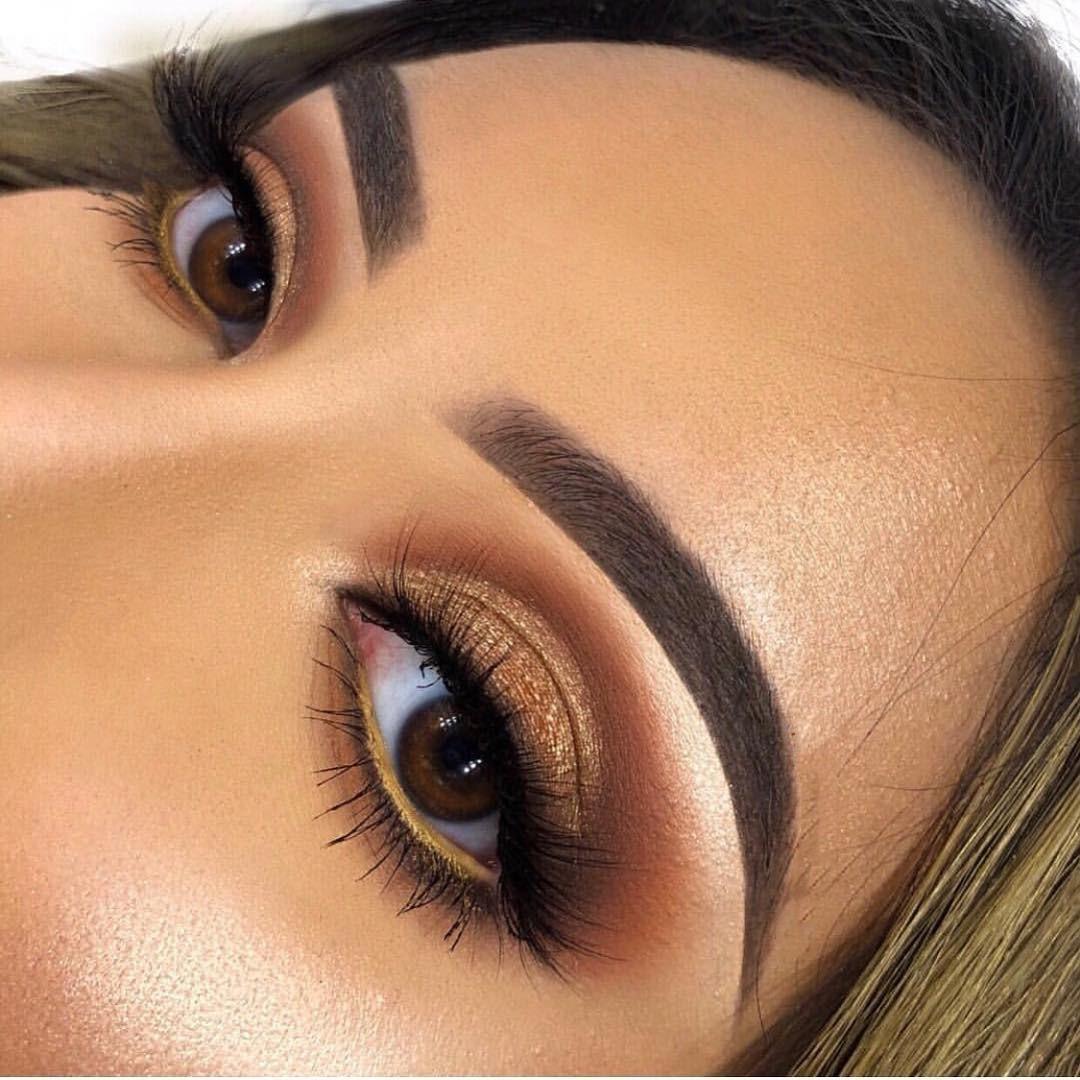 Best Gold Eye Makeup Looks and Tutorials,gold makeup looks black girl,natural makeup looks,natural makeup looks 2020
