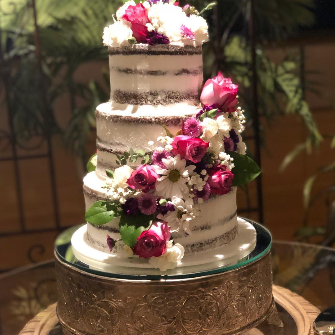 Simple Wedding Cakes You Can Do Yourself,pretty simple wedding cakes,simple wedding cakes with flowers,simple wedding cakes for small wedding