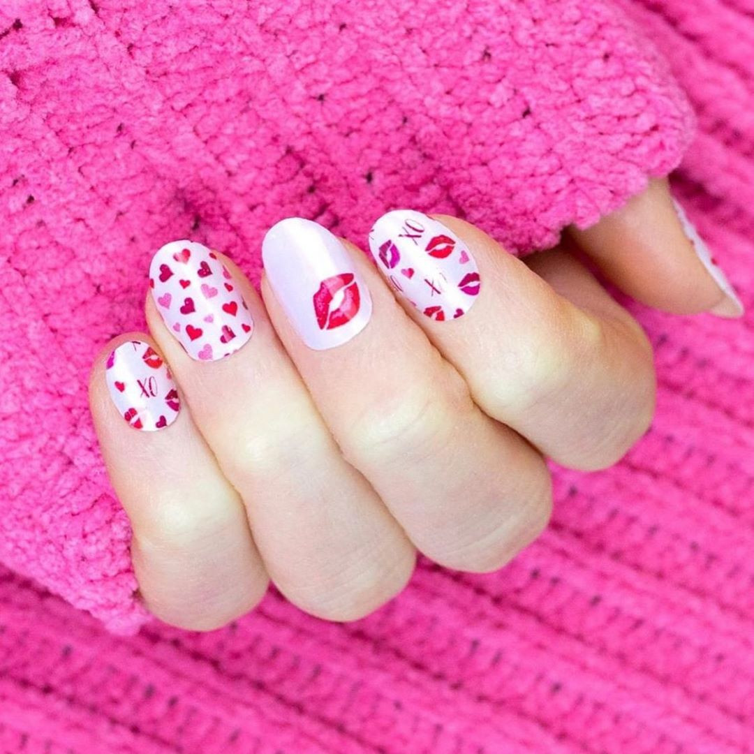 55 Pretty Valentine's Day Nails You'll Absolutely Adore,valentines day nails 2020,valentine's day acrylic nails,valentine nails 2020,valentine gel nails
