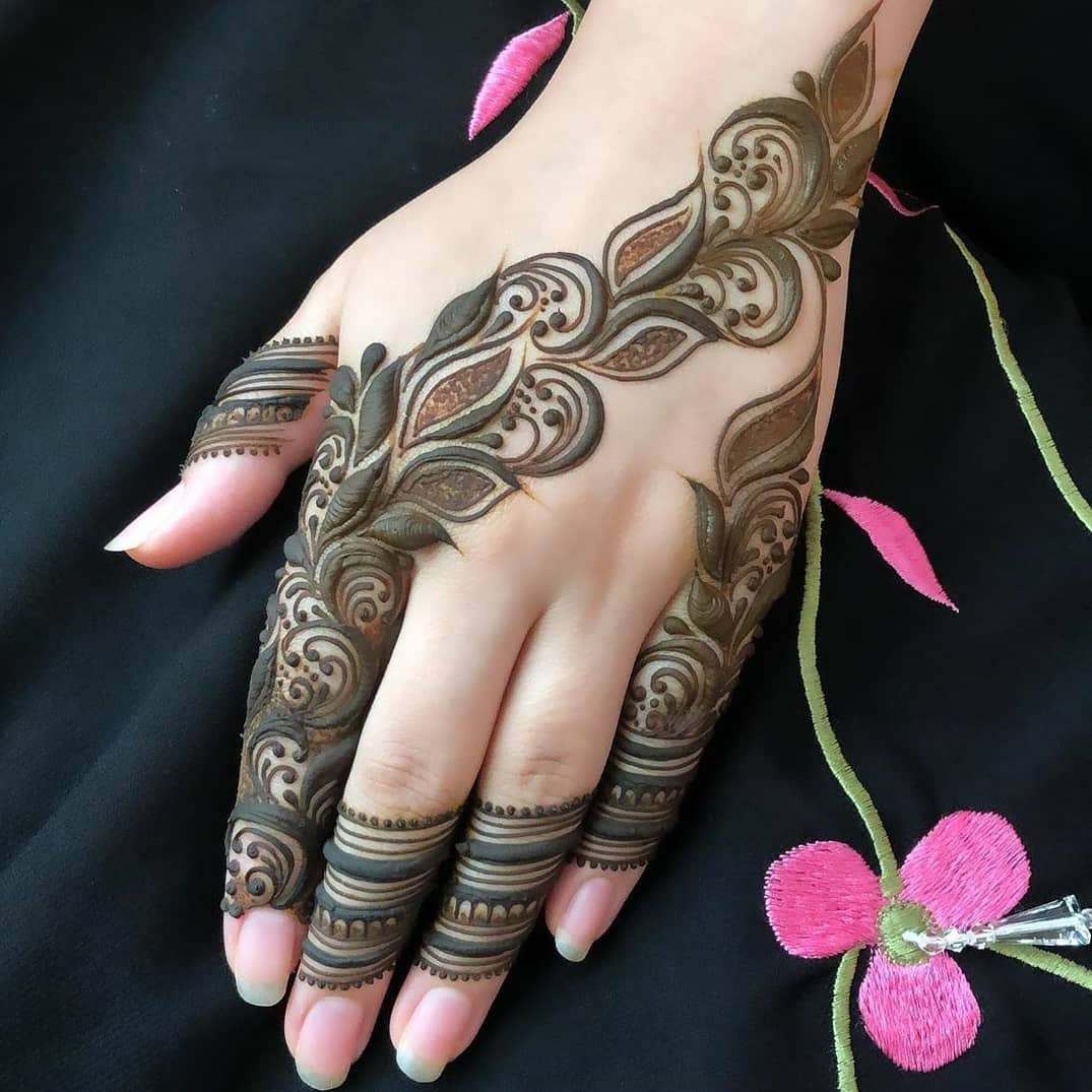 42 Trendy Henna Tattoo Design Ideas to Try