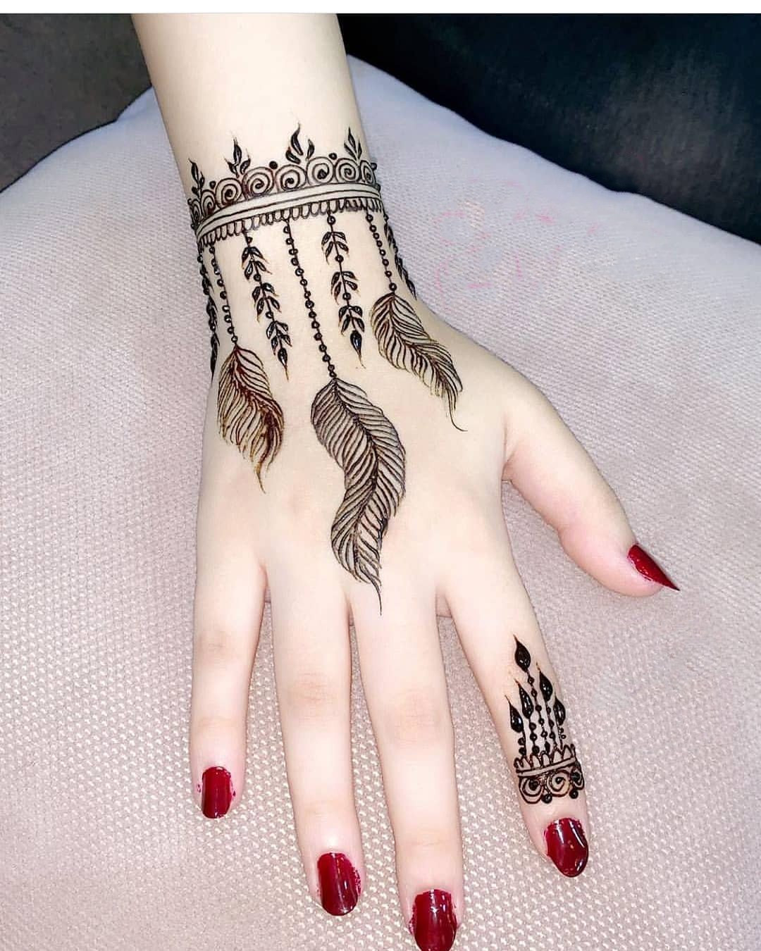 42 Trendy Henna Tattoo Design Ideas to Try,henna tattoo meaning,henna tattoo care,are henna tattoos permanent
