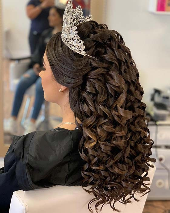 40 Best Quinceanera Hairstyles for Your Big Day,quinceanera hairstyles 2020,quinceanera hairstyles straight hair,quinceanera hairstyles 2018